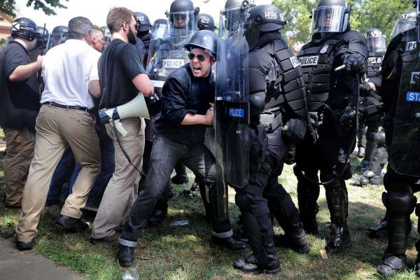 racists push police in Charlottesville